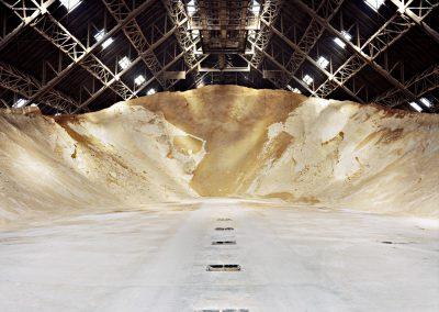 """Zineb Sedira - """"Sugar Silo"""" / Opérateur prise de vue 20x25 et 4x5, développement C41, scan haute def pour tirage grand format"""
